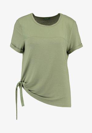 T-shirt print - khkai
