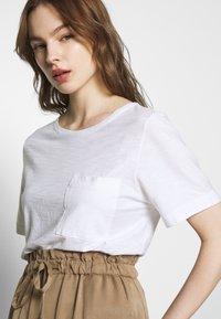 Benetton - T-shirt basic - white - 3