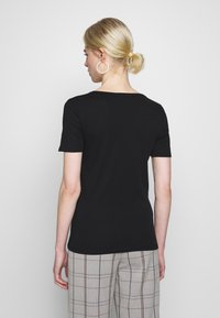 Benetton - T-shirt z nadrukiem - black - 2