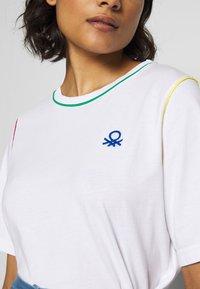 Benetton - Printtipaita - white - 5