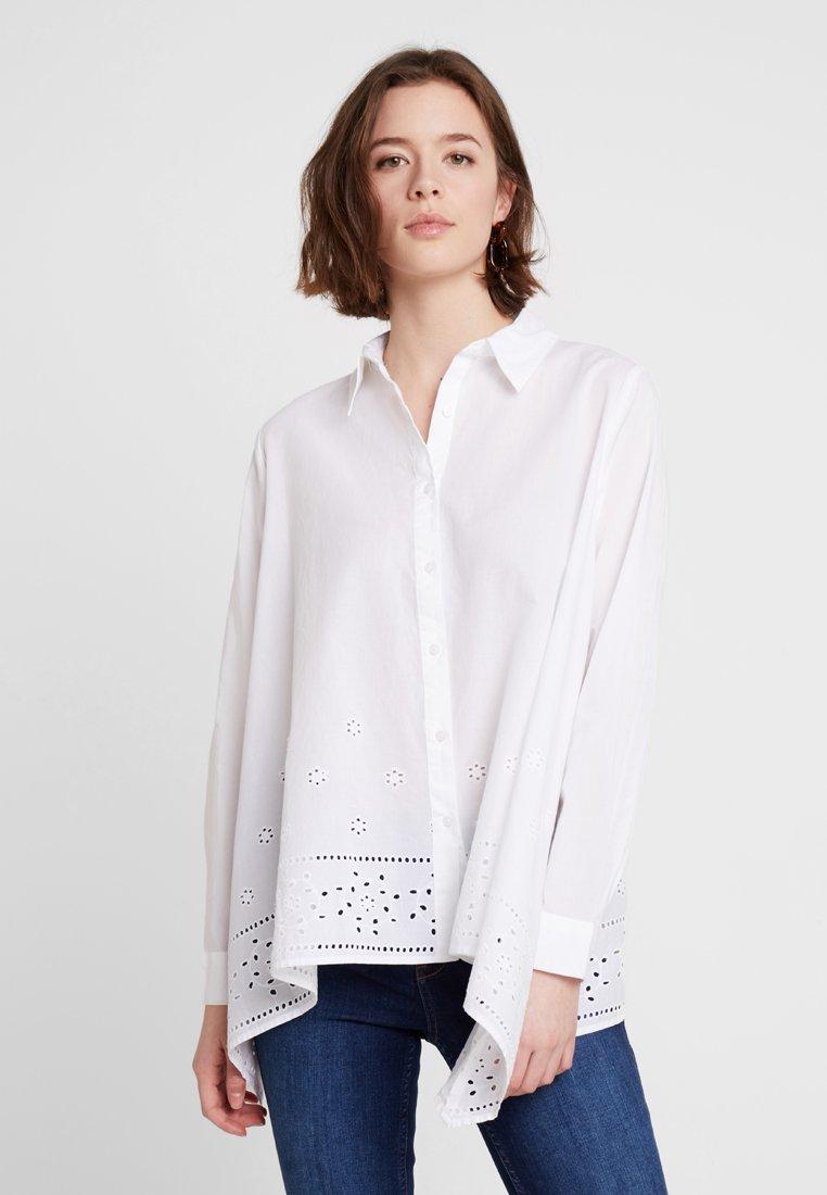 Benetton - BRODERIE ANGLAIS HANKY  - Button-down blouse - white