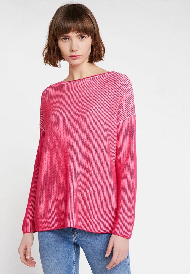 OMBRE RELAXED FIT - Stickad tröja - hot pink