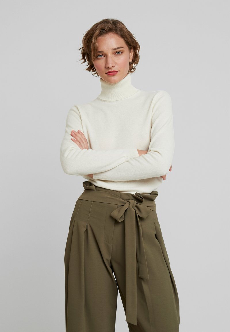 Benetton - TURTLE NECK - Sweter - white