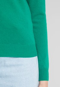 Benetton - TURTLE NECK - Sweter - green - 5