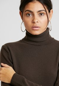 Benetton - TURTLE NECK - Sweter - brown - 4