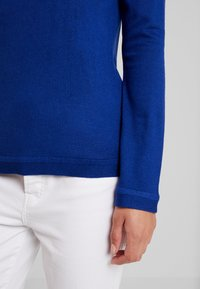 Benetton - TURTLE NECK - Jumper - royal blue - 4