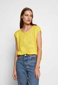 Benetton - T-shirt con stampa - yellow - 0