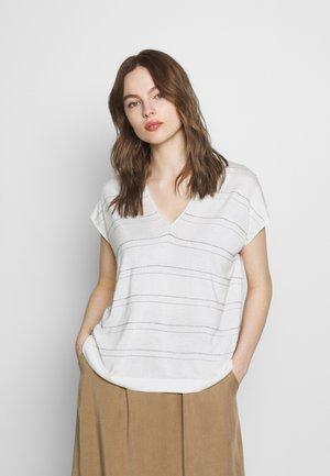 V NECK - T-shirt z nadrukiem - white