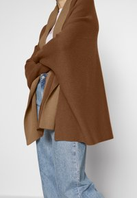 Benetton - CARDIGAN - Vest - brown - 5