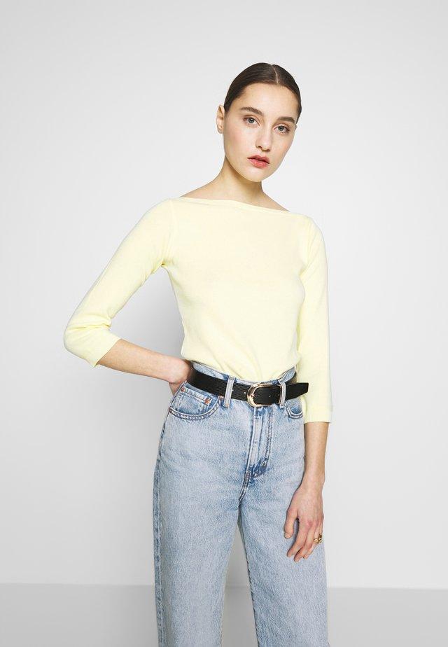 Stickad tröja - lemon