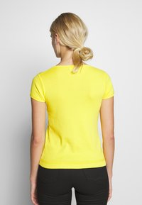 Benetton - T-shirt basic - yellow - 2