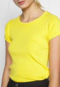 Benetton - T-shirt basic - yellow - 5