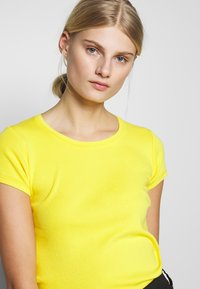 Benetton - T-shirt basic - yellow - 3