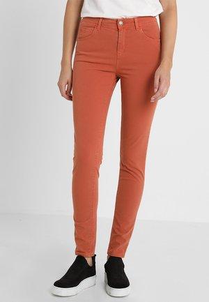 COLOUR - Jeans Skinny - brown/winter spice nutmeg