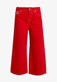 Benetton - CROP - Jeans a zampa - red - 4