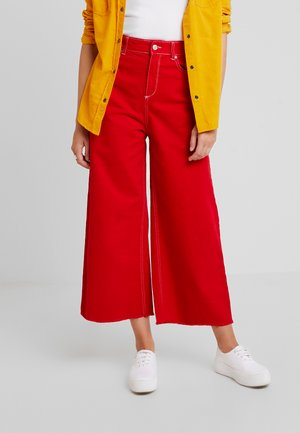 CROP - Flared Jeans - red