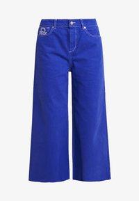 Benetton - CROP - Jeans a zampa - royal blue - 4