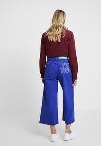 Benetton - CROP - Jeans a zampa - royal blue - 3
