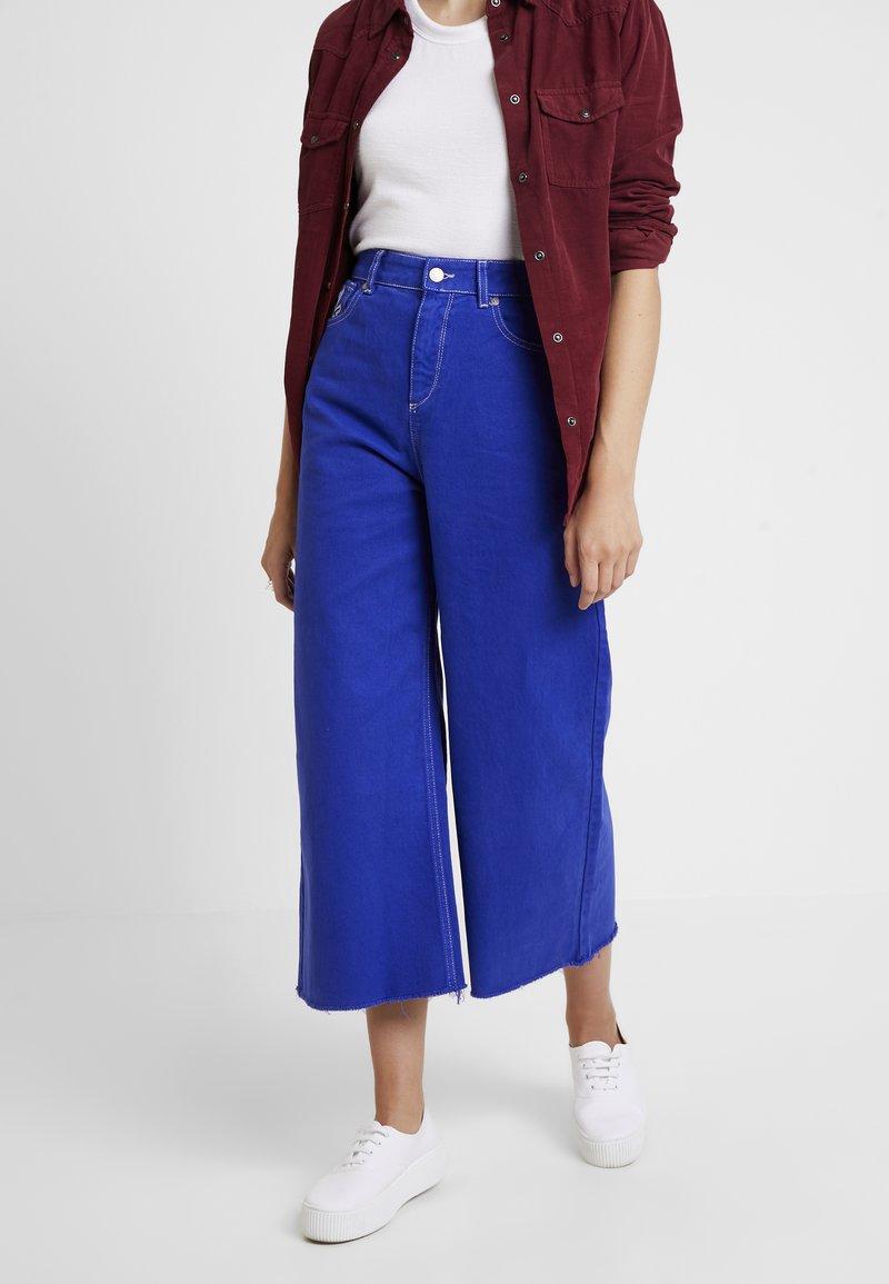 Benetton - CROP - Jeans a zampa - royal blue