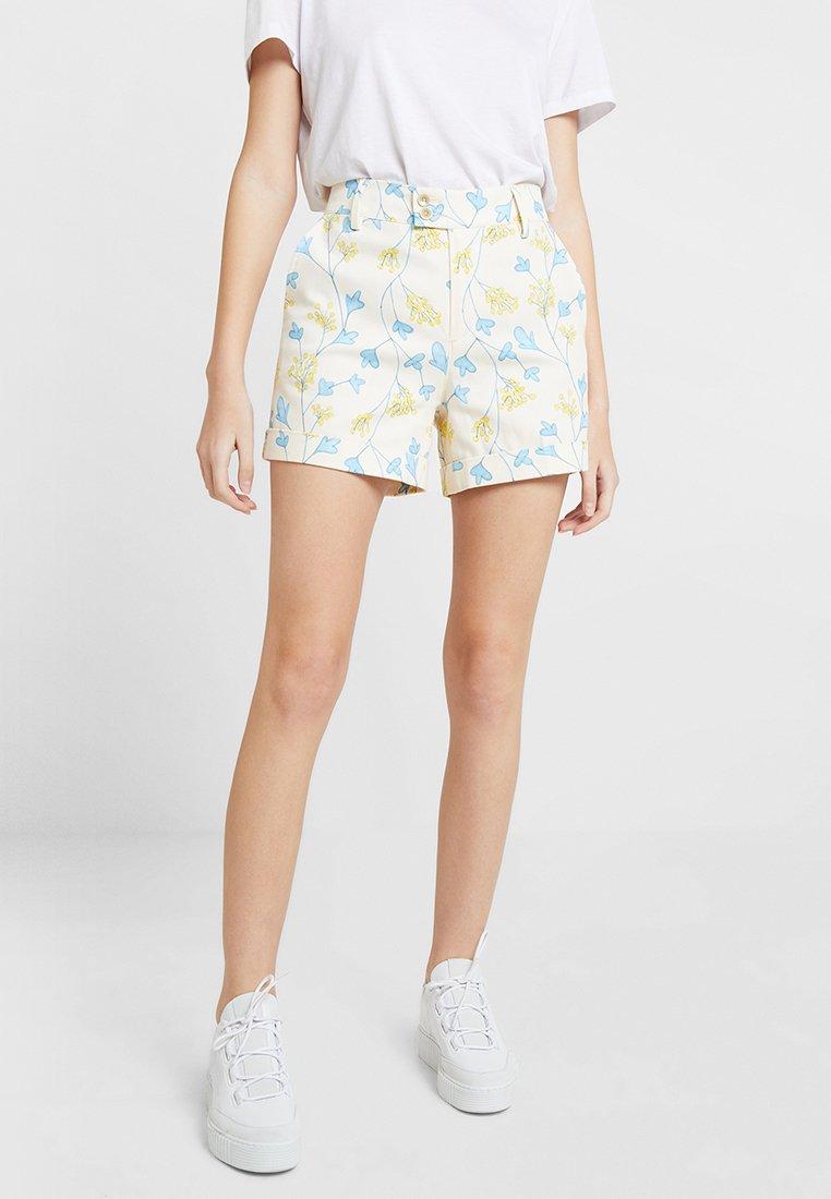 Benetton - CITY FLORAL PRINT - Shorts - cream