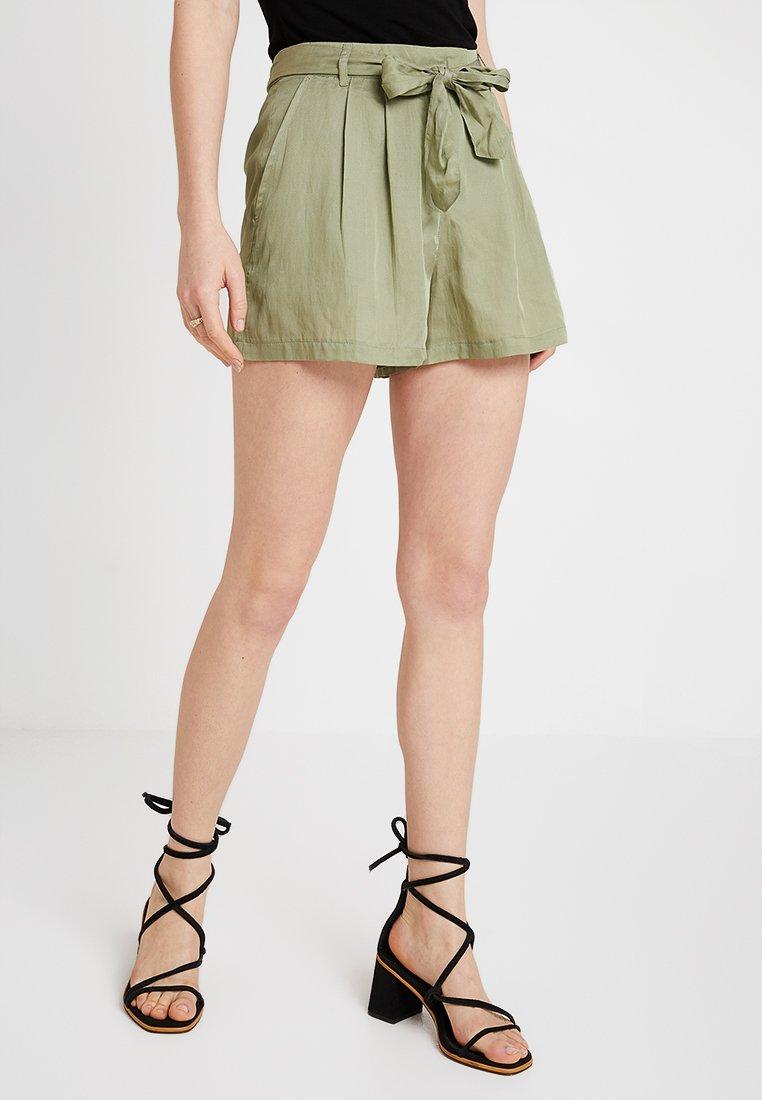 Benetton - Shorts - sage green