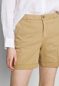 Benetton - BERMUDA - Shorts - beige - 5