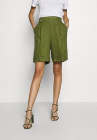 Benetton - BERMUDA - Shorts - khaki - 0