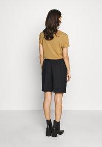 Benetton - BERMUDA - Shorts - black - 2