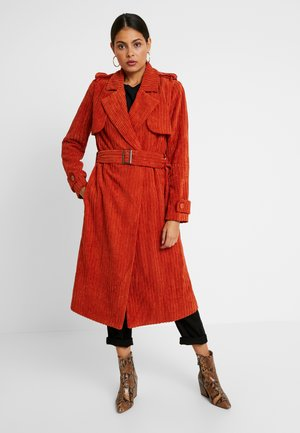 Trenchcoat - toffee brown