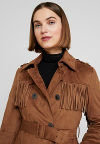 Benetton - TRENCH COAT WITH FRINGES - Prochowiec - brown - 3