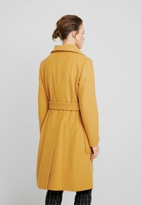 Benetton - COAT - Mantel - mustard - 2