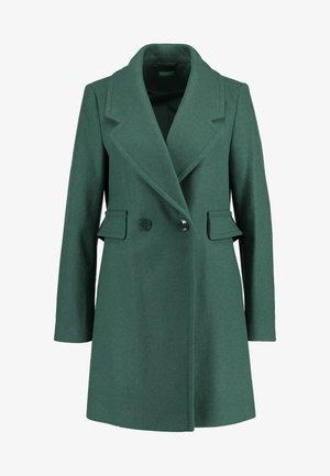 Pitkä takki - green
