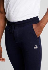Benetton - Teplákové kalhoty - dark blue - 5