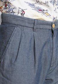 Benetton - MODERN SUMMER PLEATED - Trousers - bleu - 5