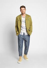 Benetton - MODERN SUMMER PLEATED - Trousers - bleu - 1