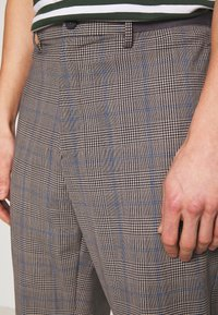 Benetton - RELAXED TROUSERS CHECK - Trousers - grey/blue - 4