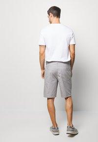 Benetton - BASIC CHINO - Shorts - grey - 2