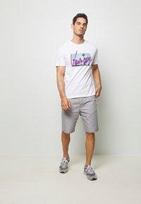 Benetton - BASIC CHINO - Shorts - grey - 1