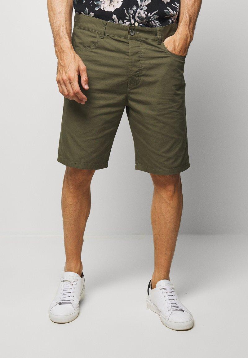 Benetton - BASIC CHINO - Shorts - military green
