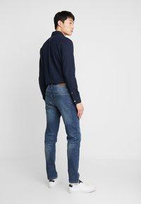 Benetton - SLIM ROLLED UP - Jeans slim fit - dark blue demin - 2
