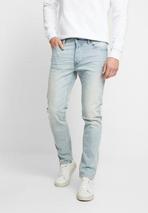 SLIM ROLLED UP - Jeans slim fit - washed light denim
