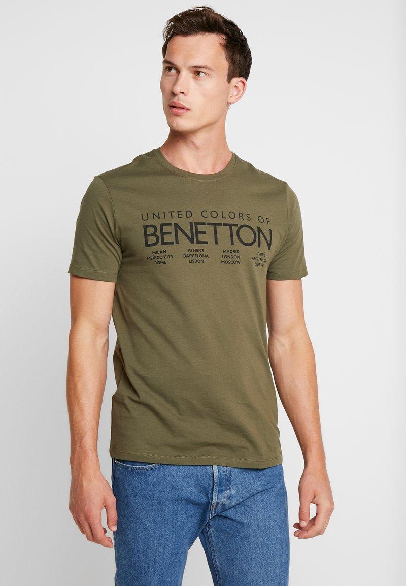 Benetton - Print T-shirt - olive