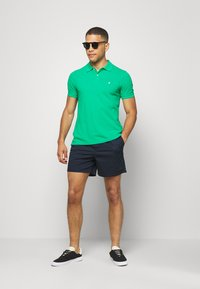 Benetton - REGULAR FIT - Polotričko - green benetton - 1