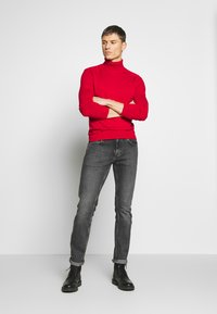 Benetton - ROLL NECK - Pullover - red - 1