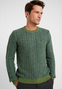 Benetton - Stickad tröja - blau grün - 0