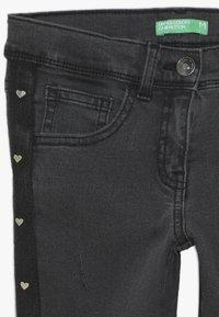 Benetton - LONG TROUSERS - Jeans Skinny Fit - grey - 3