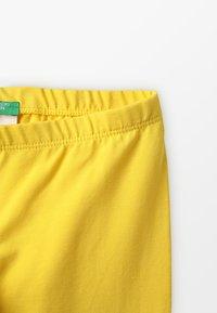 Benetton - Shorts - yellow - 2