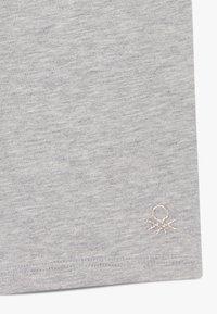 Benetton - Shorts - grey - 3