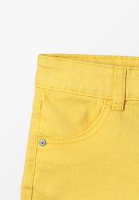 Benetton - BASIC - Jeansshort - yellow - 4