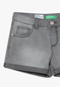 Benetton - Shorts di jeans - grey denim - 2